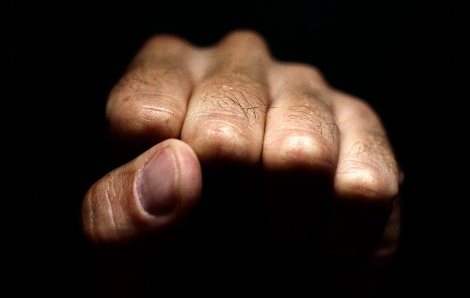 Violence conjugale : il ira réfléchir derrière les barreaux