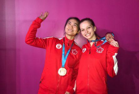 Alicia Côté devient triple médaillée à 19 ans