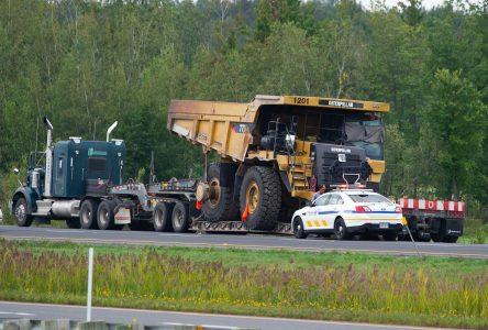 Un fardier endommage un viaduc sur l'autoroute 20 (mise à jour)