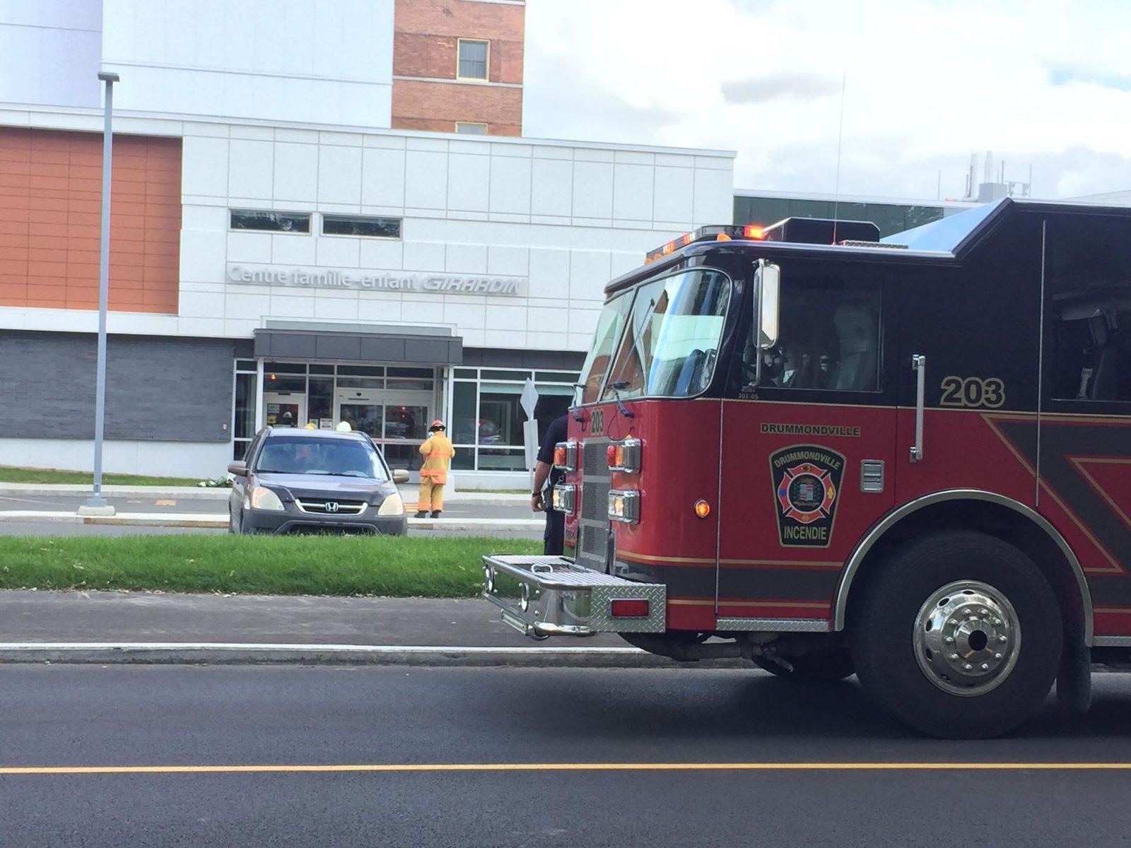 Des pompiers au Centre famille-enfant