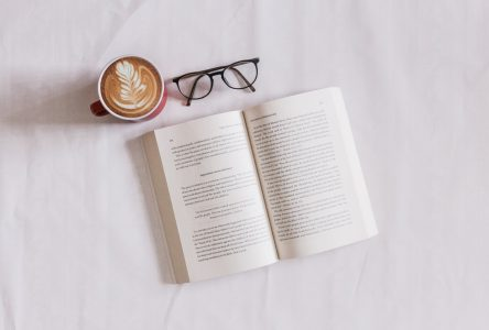 Des suggestions de lecture pour la saison des chocolats chauds