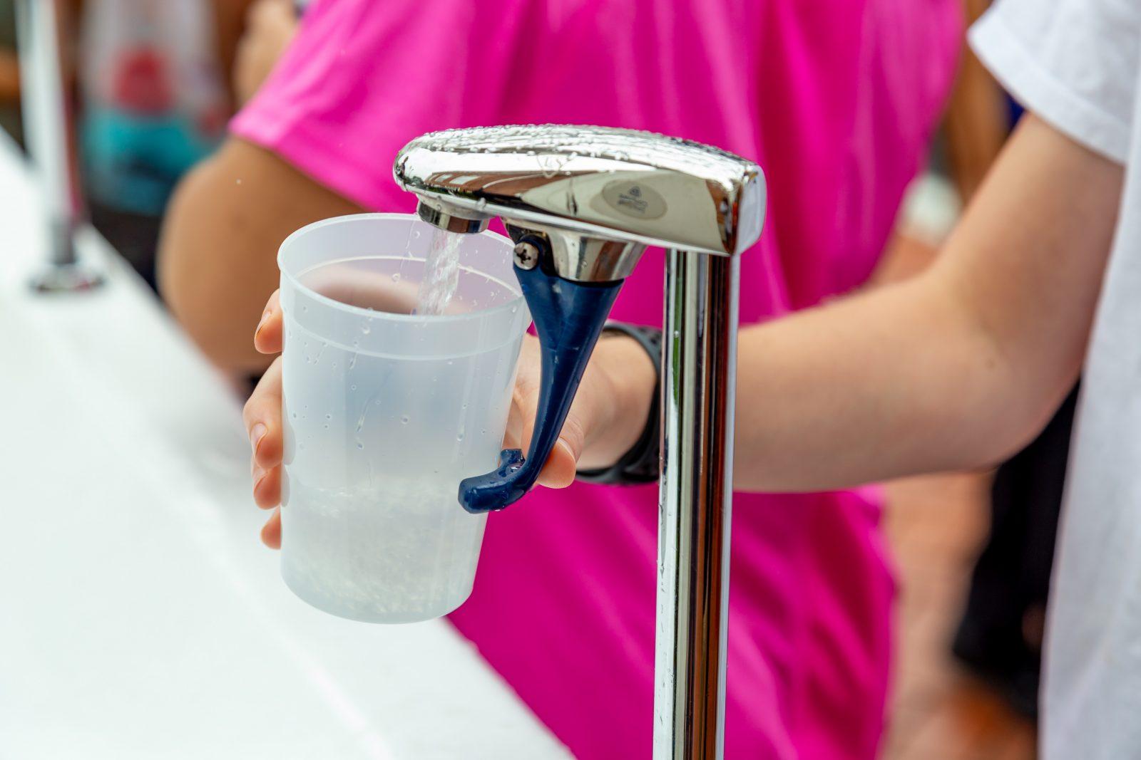 Plomb dans l'eau des écoles: la CSDC procède à des tests