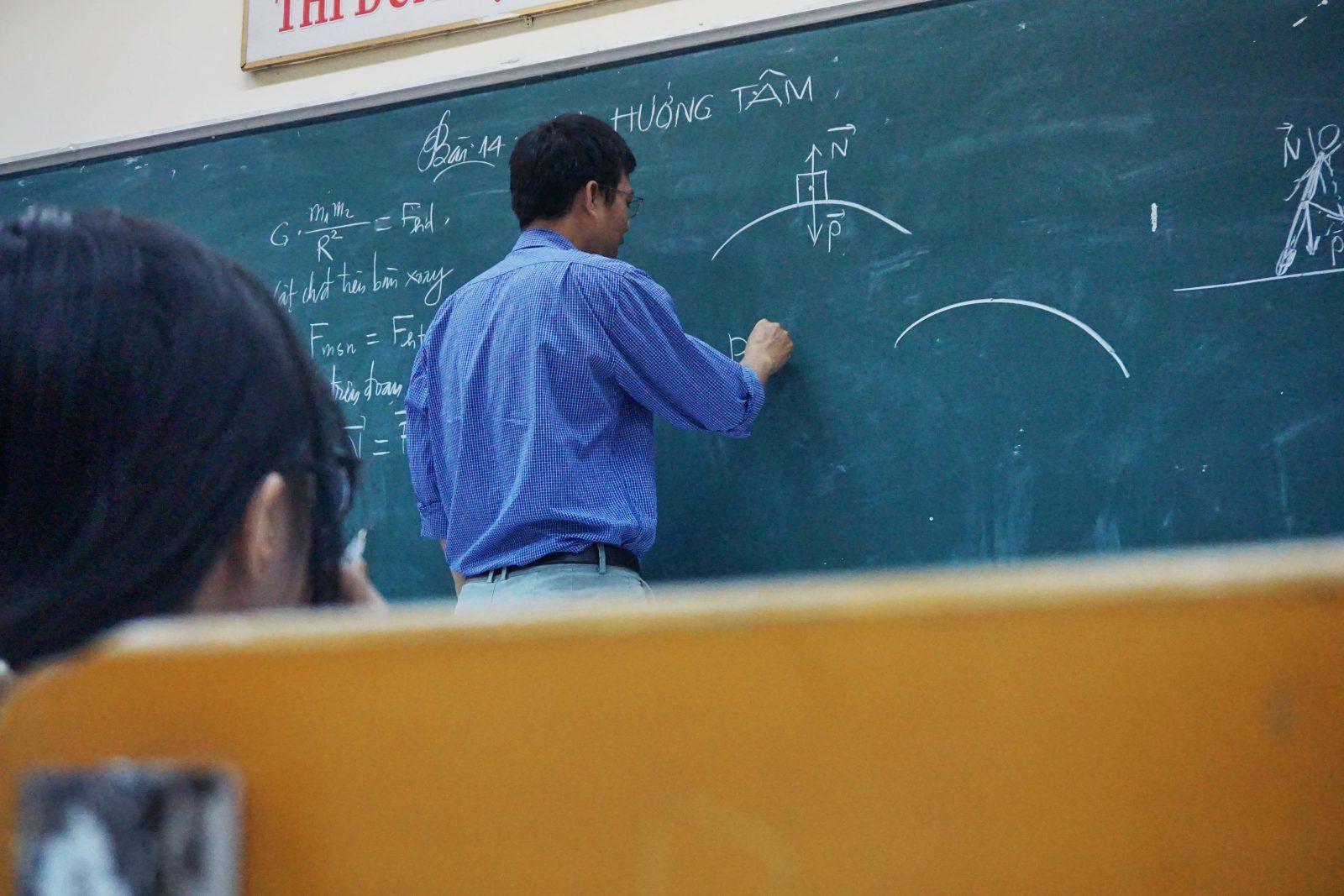 Des professeurs sans diplôme à la CSDC