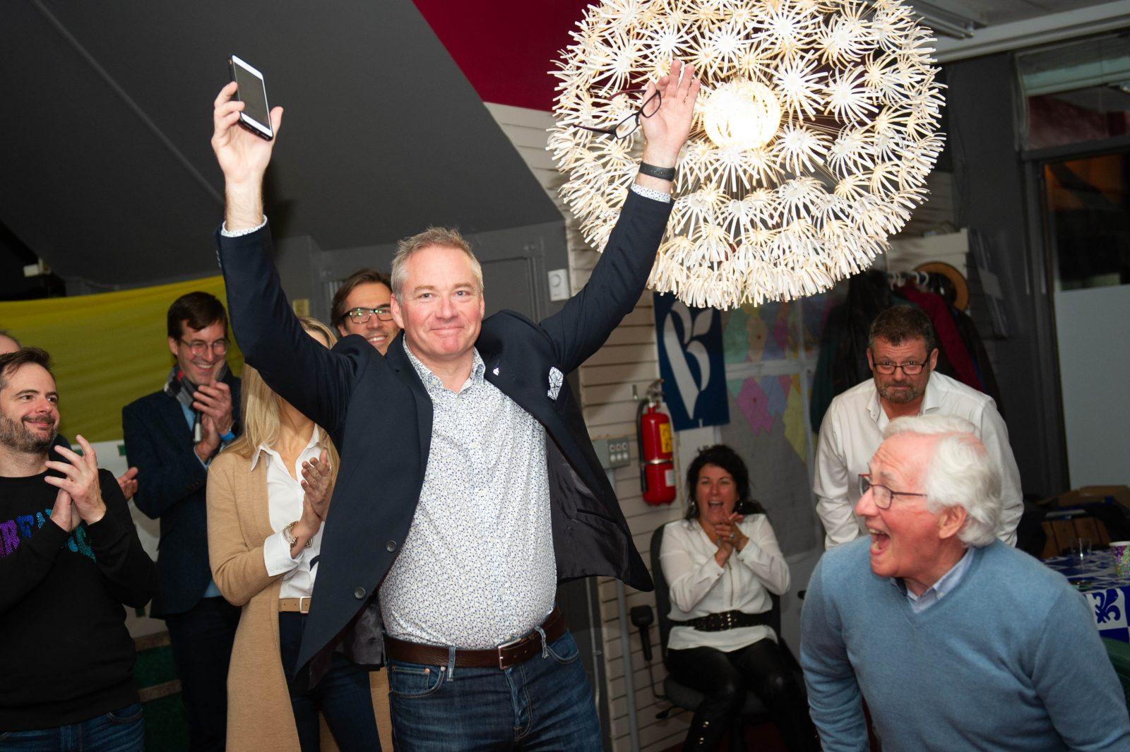 Martin Champouxsalue les militants et le chef du Bloc (photos et vidéo)