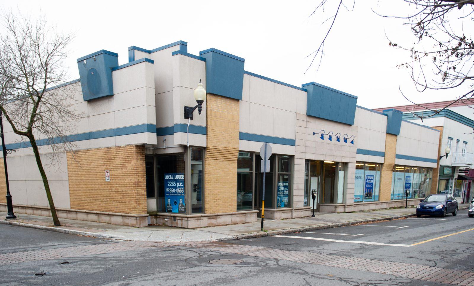 Salle de style cabaret: la Ville a ciblé certains bâtiments