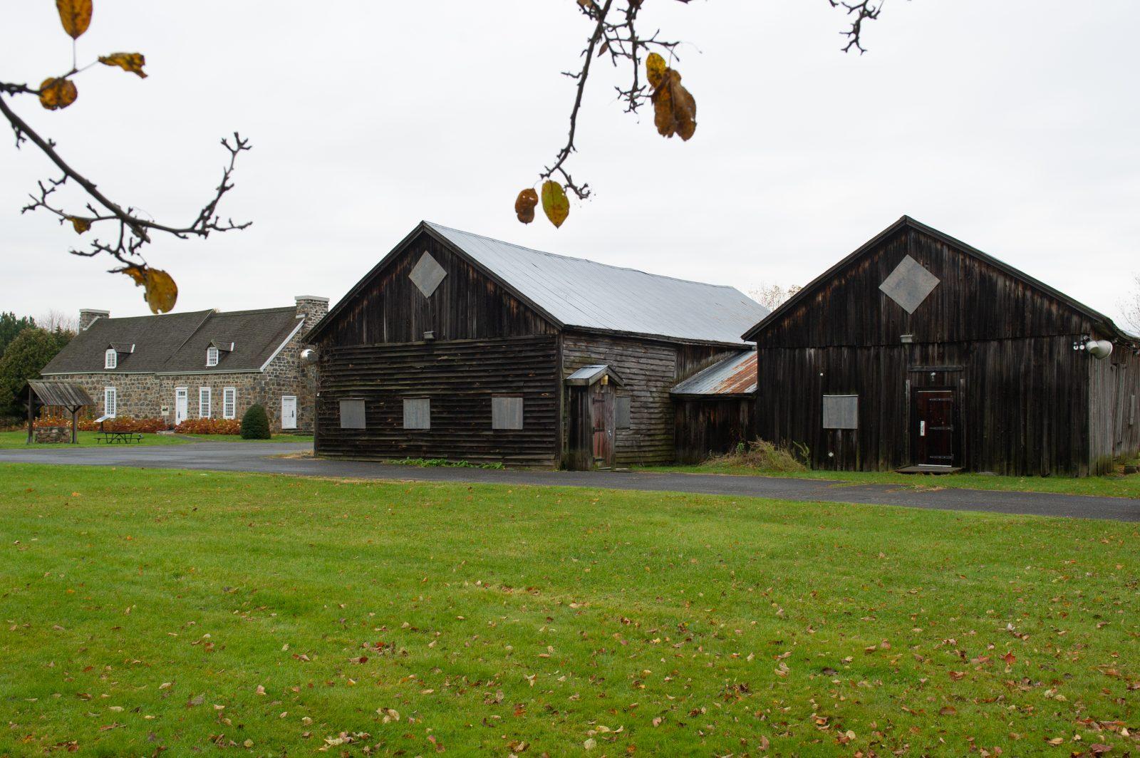 Feu vert au démantèlement de la grange du domaine Trent