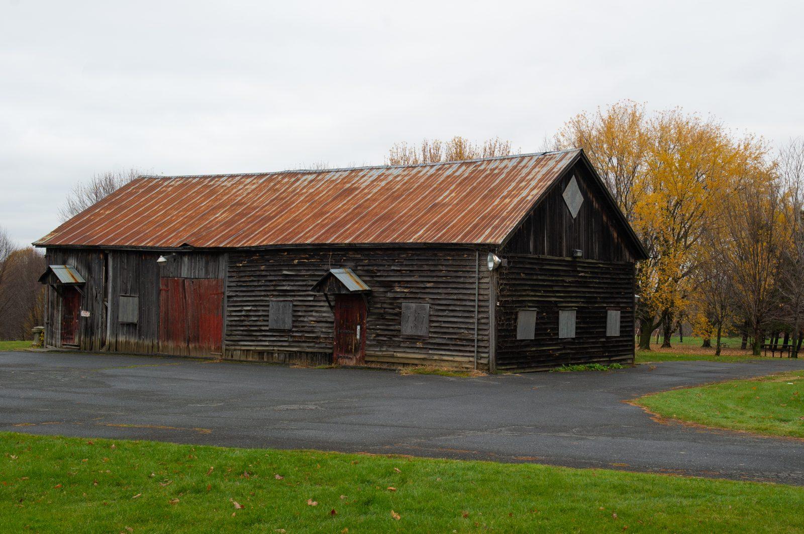 La grange du domaine Trent sera démantelée