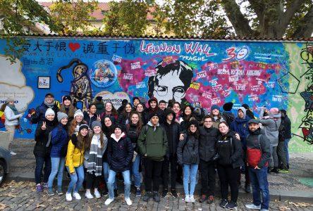 Des élèves de Drummondville témoins des 30 ans de la chute du Mur de Berlin