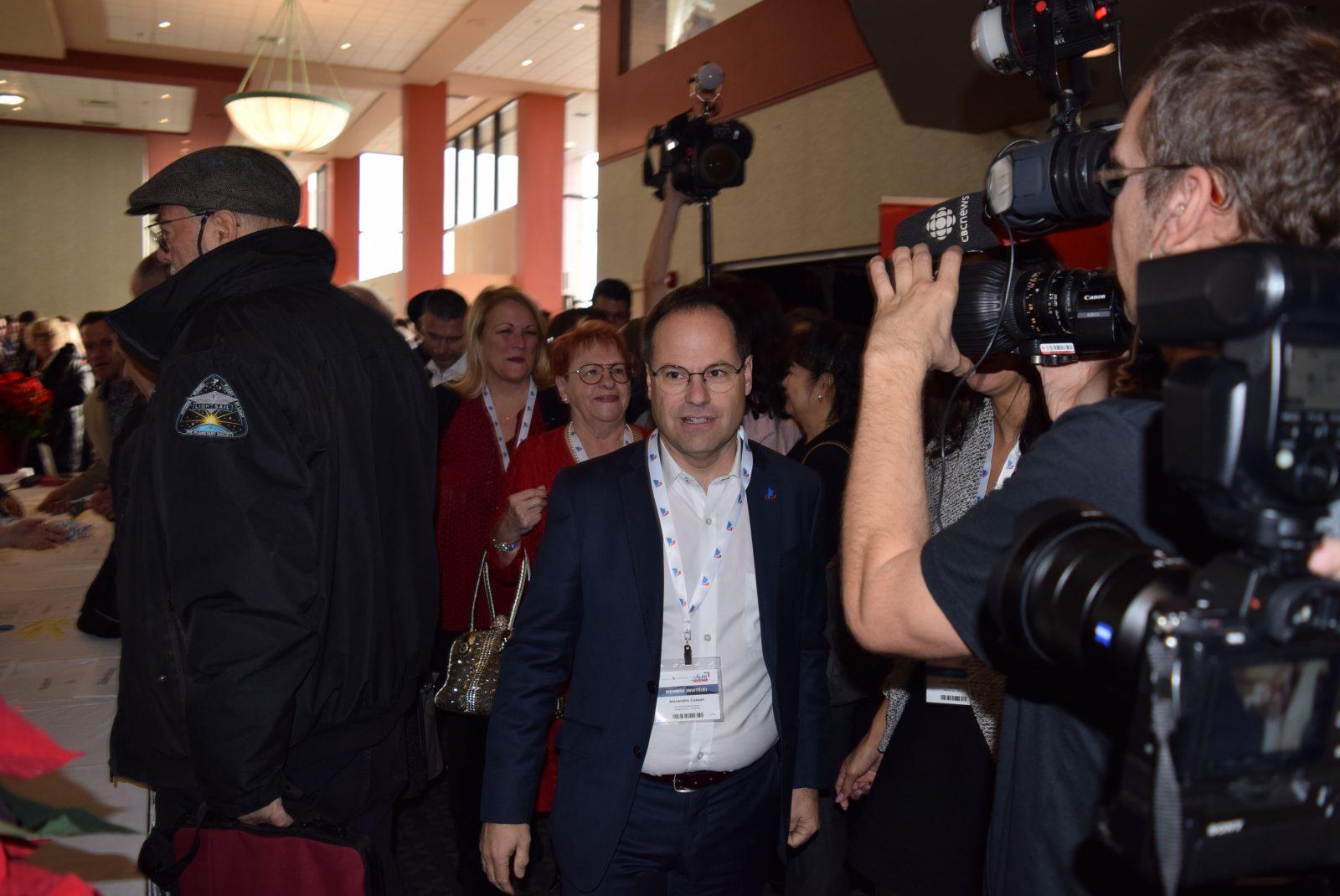 Pourquoi Alexandre Cusson quittera son siège de maire le 31 janvier?