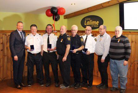 Sept pompiers de Saint-Bonaventure honorés pour leur service