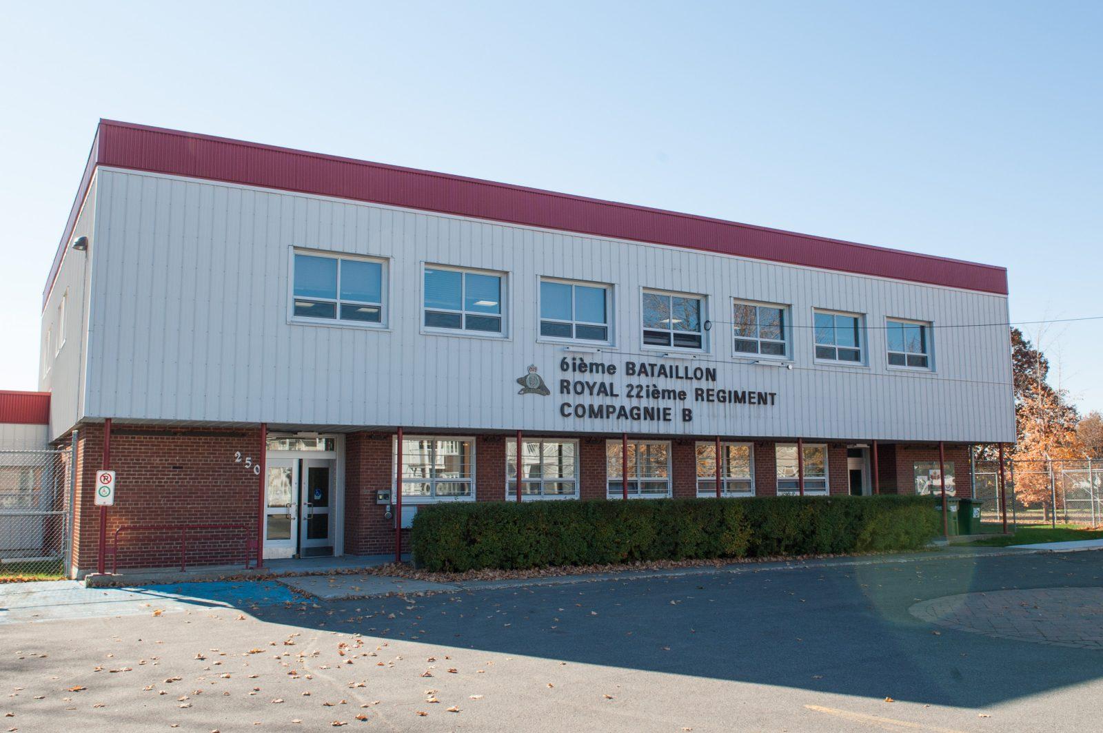 Incursion dans le manège militaire à Drummondville
