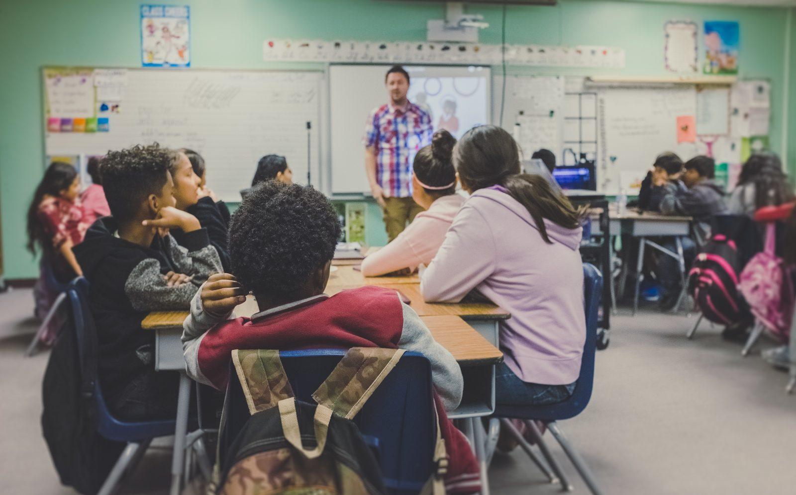 Sexualité : qu'apprennent les jeunes à l'école?