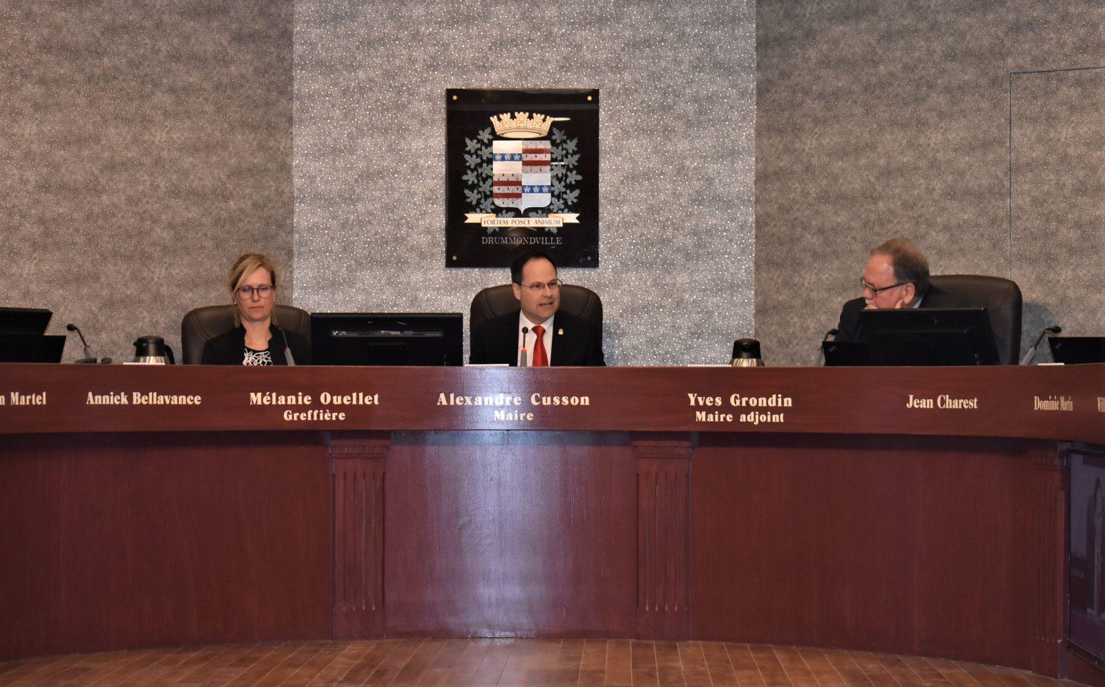 Une dernière séance pour le maire Alexandre Cusson