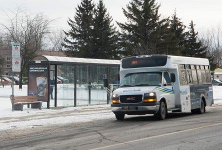 Le transport en commun et la promenade Rivia demeurent accessibles