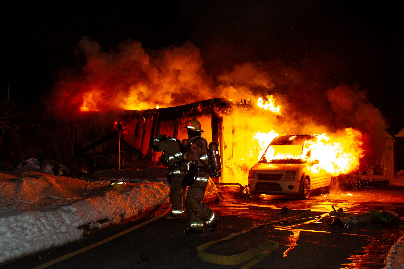 Une maison détruite par les flammes à Saint-Cyrille