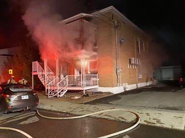 Un duplex lourdement endommagé à la suite d'un incendie