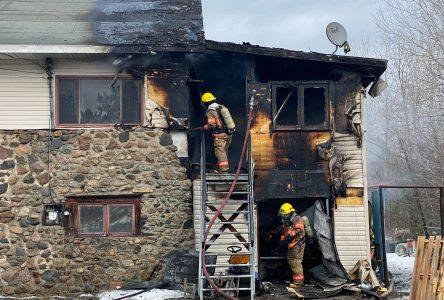 Une résidence en flammes sur le Chemin Tourville