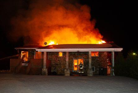 Une résidence du boulevard Mercure détruite par les flammes (photos et vidéo)