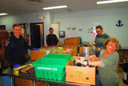 Vaste élan de générosité dans les banques alimentaires