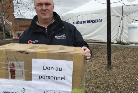 La Ville remet des masques de protection à l'hôpital Sainte-Croix