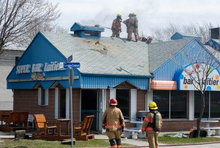 Le Super bar laitier endommagé par un incendie