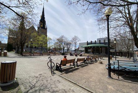 Terrasse à aire ouverte : la santé publique est sur place