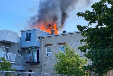 Un incendie se déclare sur la rue Lindsay (mise à jour)