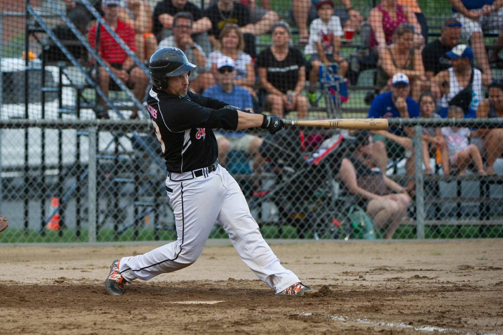 Le baseball local poursuivra ses activités avec des assistances réduites