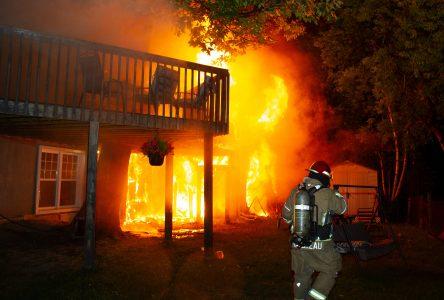 Des vies sauvées grâce à un avertisseur de fumée (photos et vidéo)