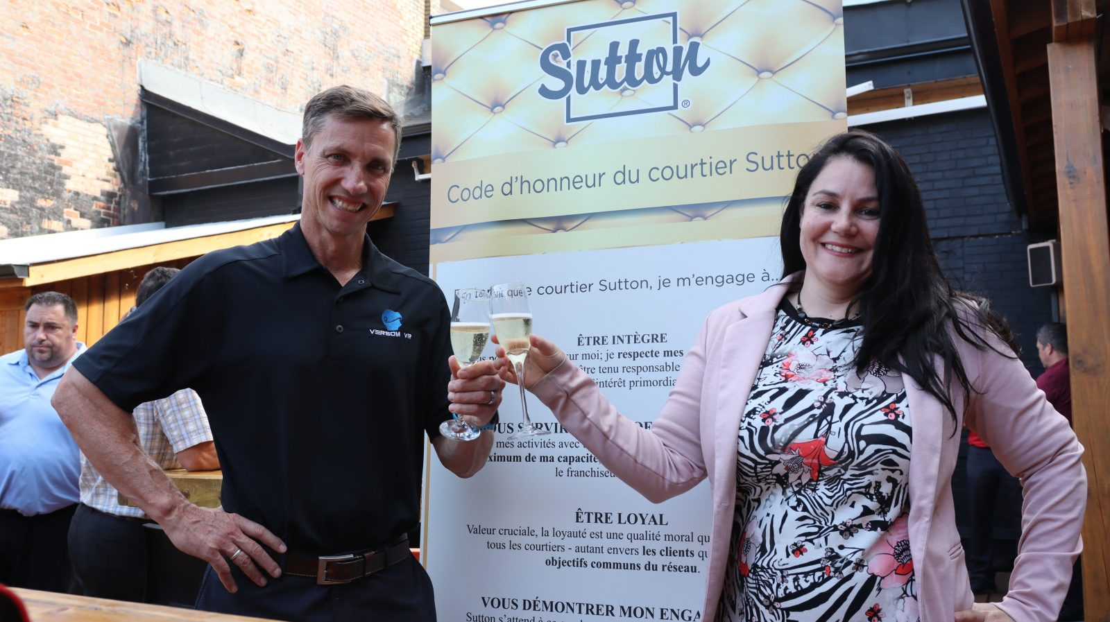 COVID-19 : Groupe Sutton Alliance signe une entente avec VERSOM VR
