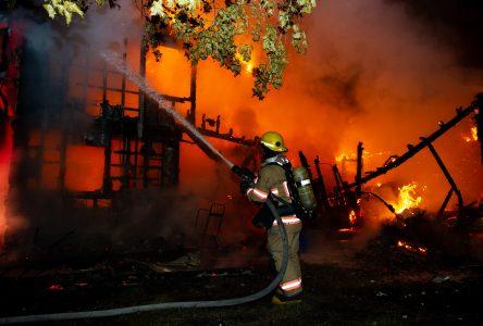 La SQ enquête sur un incendie suspect survenu à Saint-Nicéphore