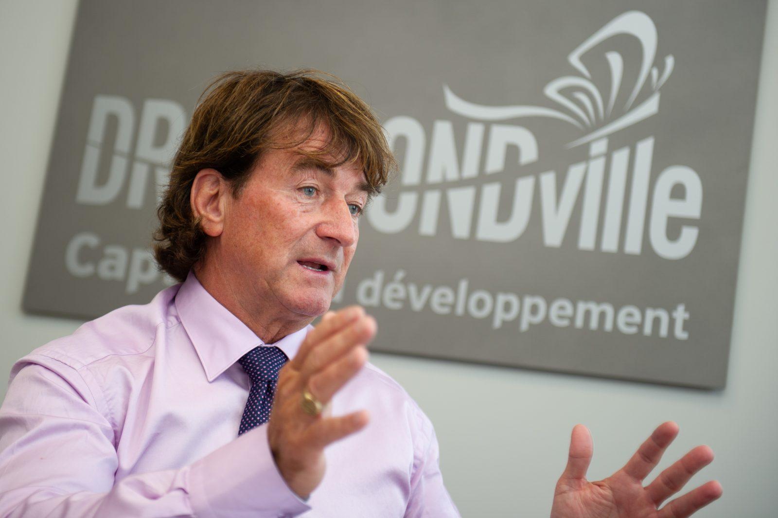 Le maire de Drummondville demande la réouverture des restaurants