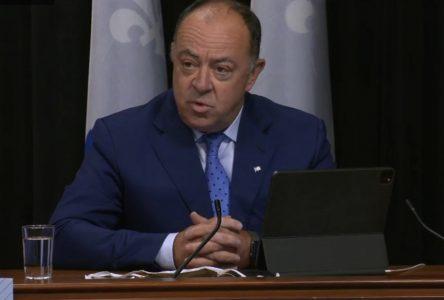 Québec prie la population d'éviter les contacts sociaux