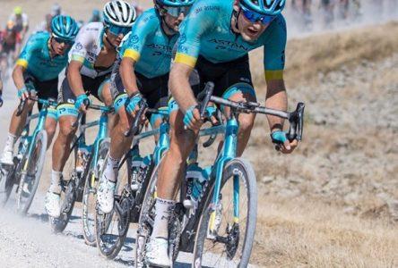 Les chutes n'arrêtent pas Hugo Houle et Astana