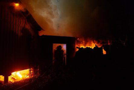 Un Luciennois voit sa maison détruite par les flammes (photos et vidéo)