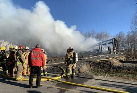 Les flammes ont détruit une résidence à Saint-Eugène