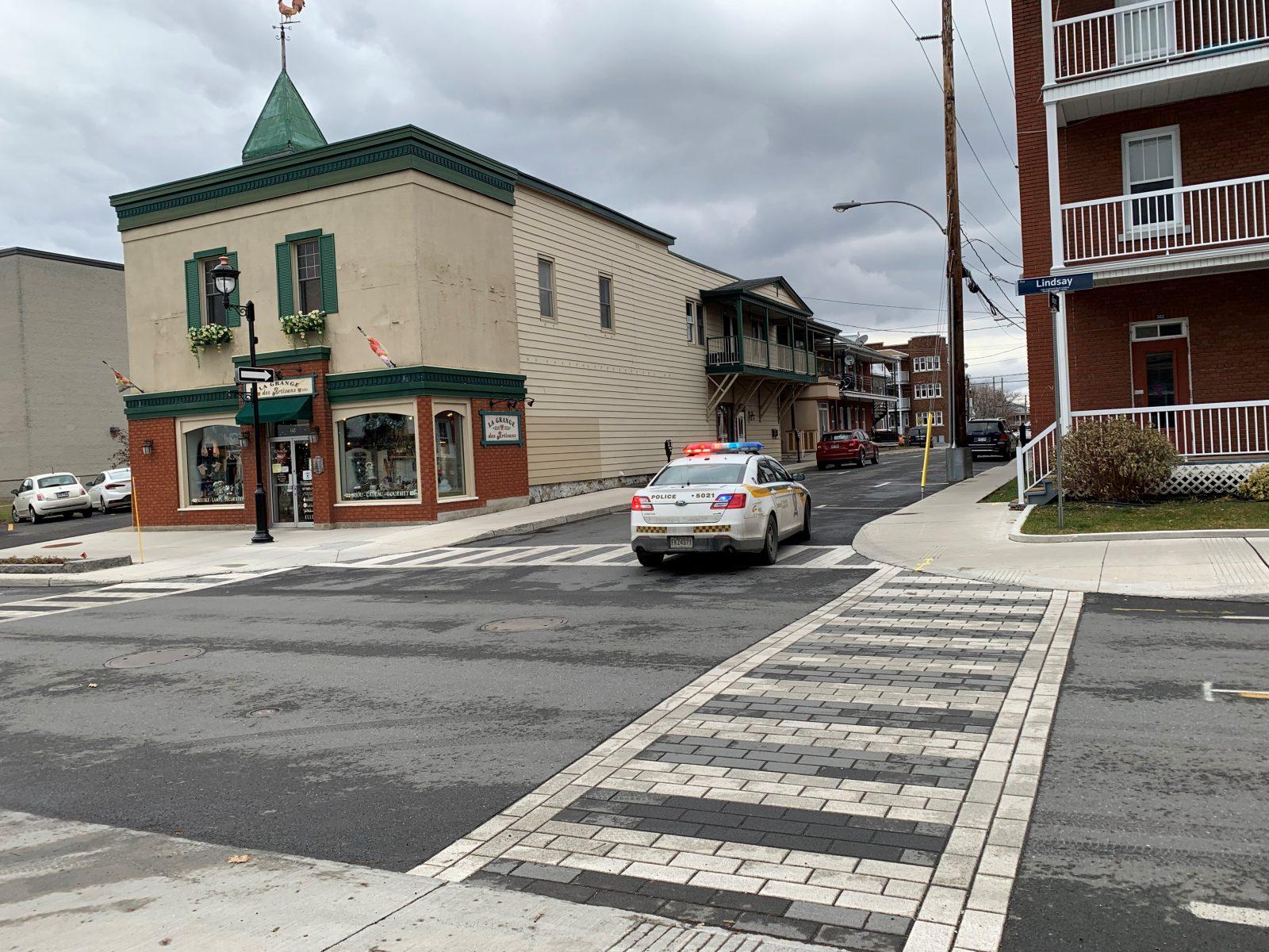 Un automobiliste happe un piéton au centre-ville de Drummondville
