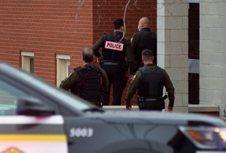 Opération policière : la Sûreté du Québec révise sa position