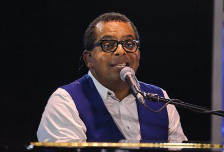 Gregory Charles sera le professeur de voix et de musique à Star Académie