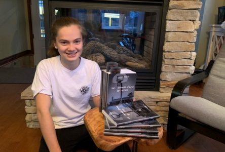 Elle écrit un premier roman à l'âge de 14 ans