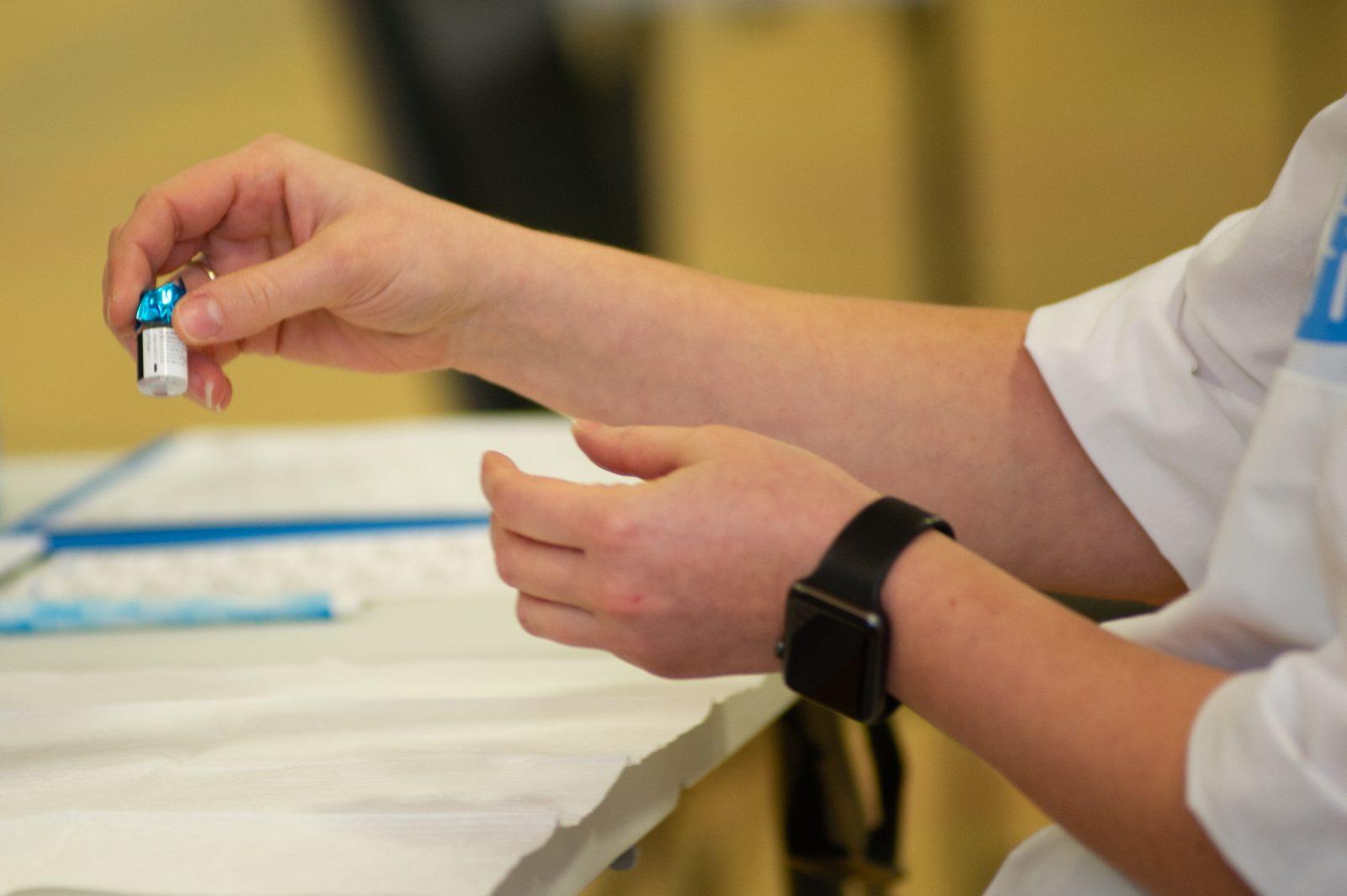L'ensemble des résidents en CHSLD vaccinés d'ici deux semaines