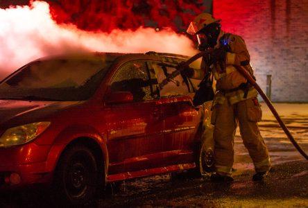 Incendie de véhicule : la SQ ouvre une enquête