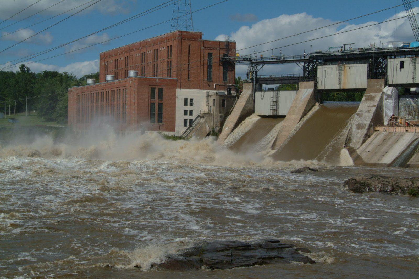 Hydro-Québec démystifie sa gestion de la rivière Saint-François