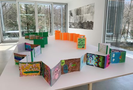 Plus de 200 élèves de la région présentent une exposition à la Fondation Grantham