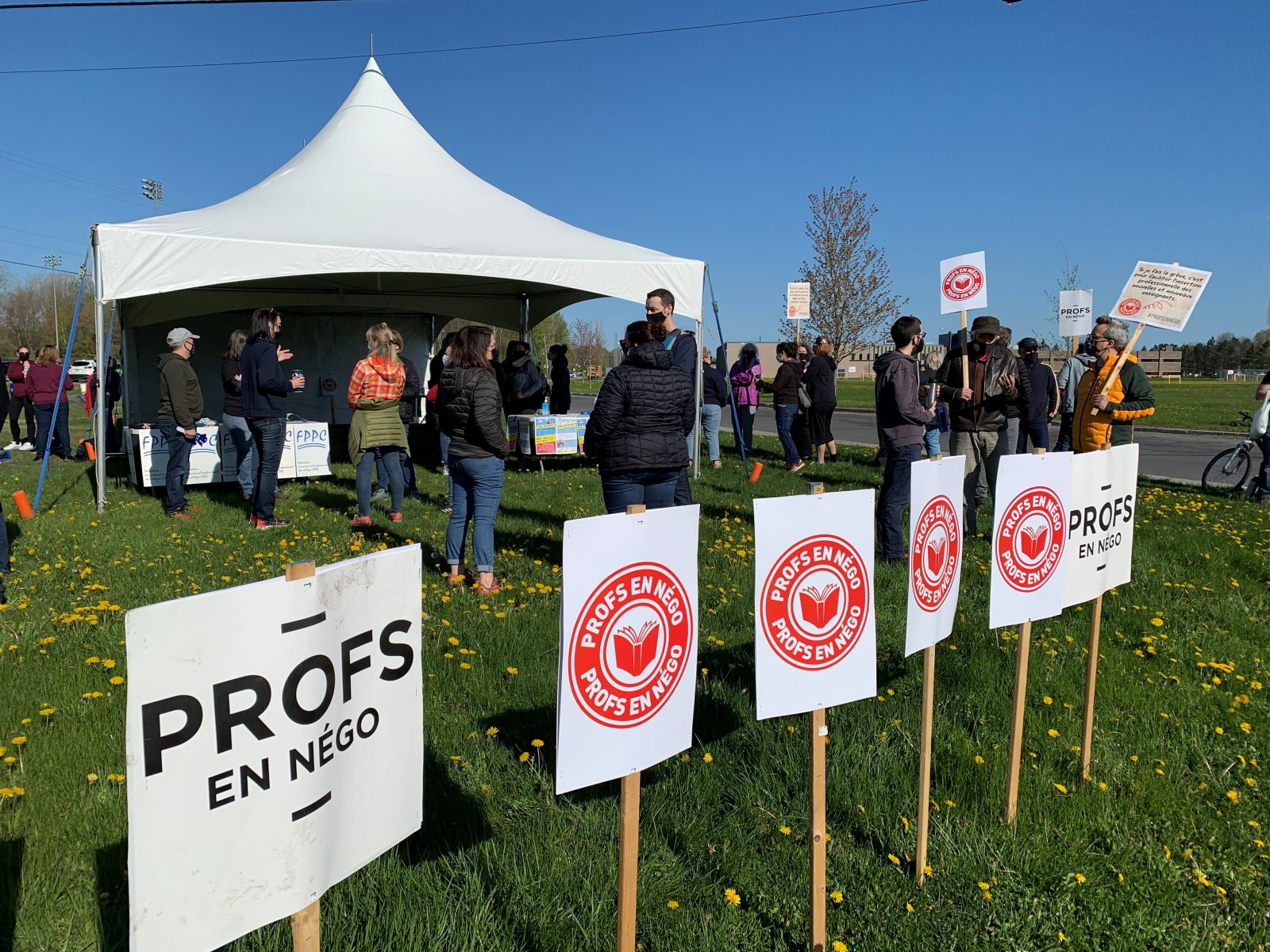 Deuxième journée de grève pour les enseignants du Cégep de Drummondville