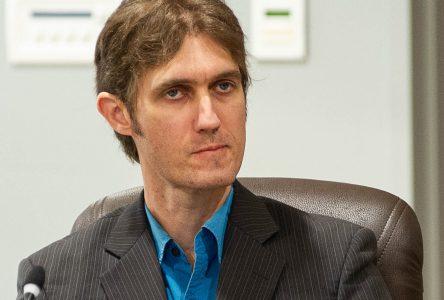 Alain D'Auteuil exclu de tous les comités de la Ville