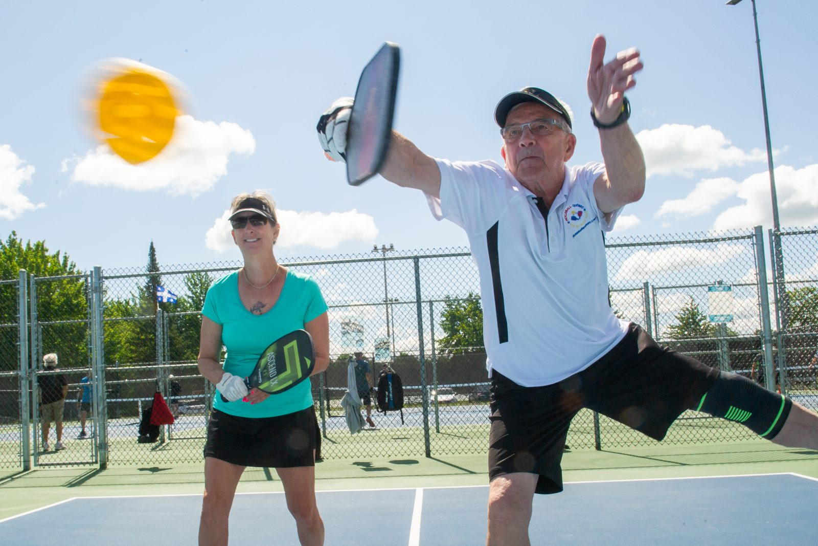Le pickleball, un sport pour tous les âges