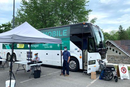 Un premier arrêt à Drummondville pour l'autobus de vaccination