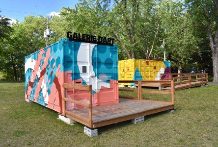 Les conteneurs culturels font un premier arrêt au parc Woodyatt