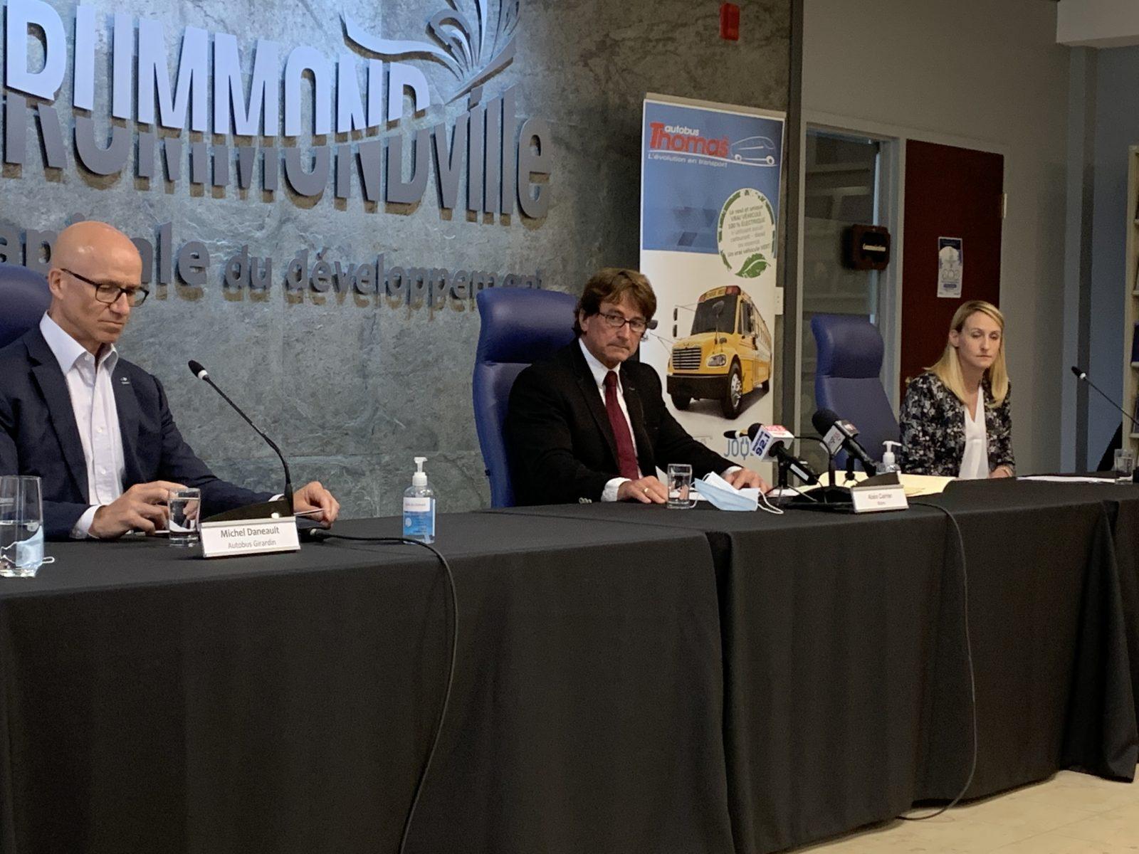 Programme d'électrification du transport scolaire : exclus, les deux leaders drummondvillois critiquent le gouvernement